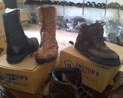 Sepatu Safety Shoes